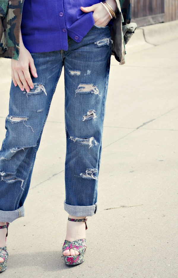 distressed denim, floral sandals | Knocked Up Fabulous