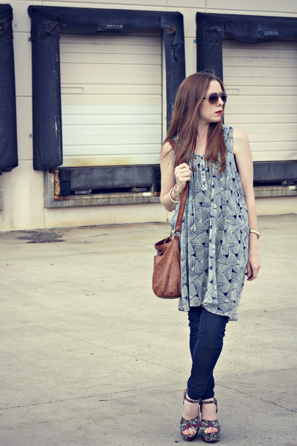 printed sleeveless shirt, jeggings, tan leather bag, floral wedges - Knocked Up Fabulous
